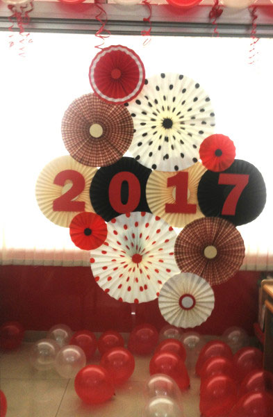 New-Year-2017-decoration-preparation